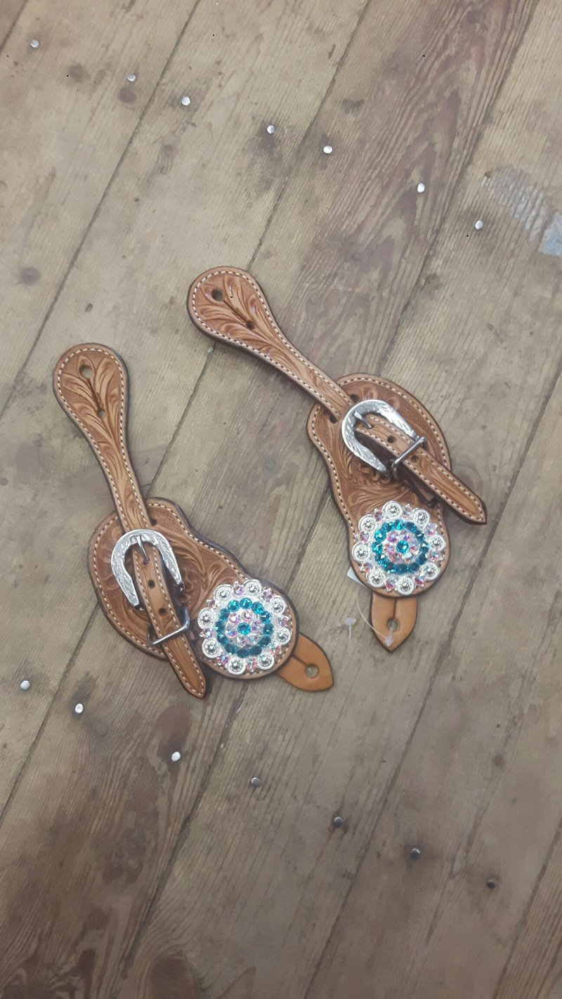 Natural spur staps with Turquoise colored conchos